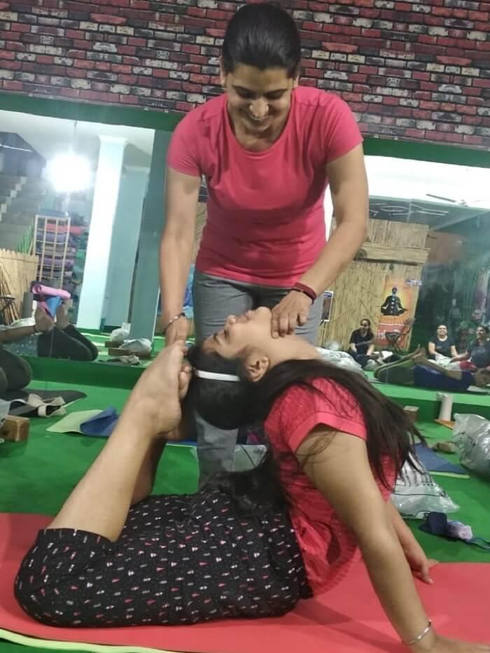 SkyYoga Shala - Best Yoga Classes in Gurgaon - Home
