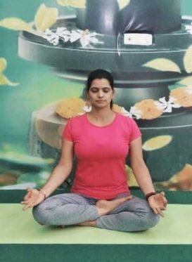 SkyYoga-Shala-Yoga-Trainer-Sunita